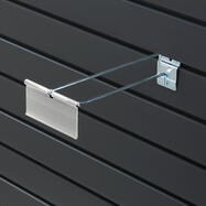 Jednoduchý hák do lamelové stěny s výkyvnou kapsou na cenovky